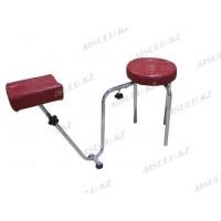 B-34 Подставка педикюрная с креслом для мастера без спинки (красная, глянец,