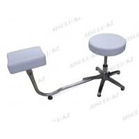 TR-047 Подставка педикюрная с креслом для мастера без спинки (белая,